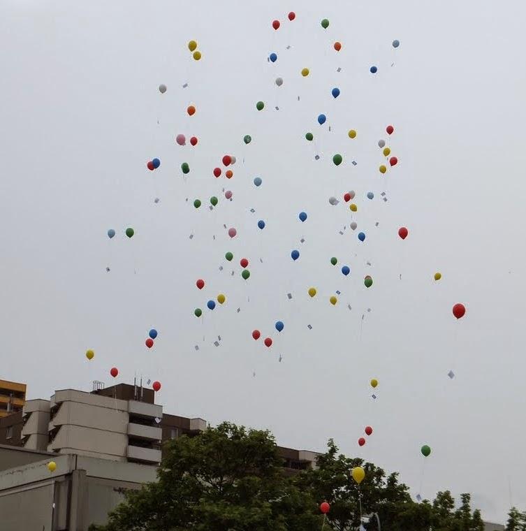 Friedensfest-Chorweiler Botschaftsballons 140427
