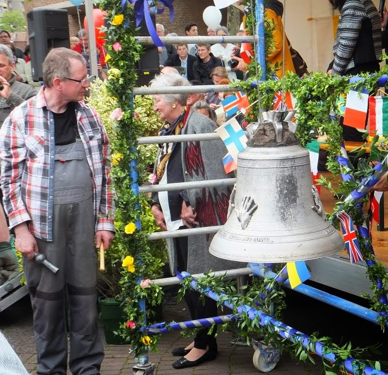 Friedensfest-Chorweiler Glocke 140427