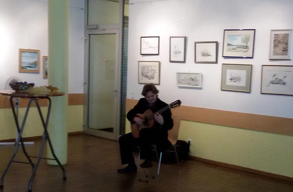 Michael Goldort mit der klassischen Gitarre