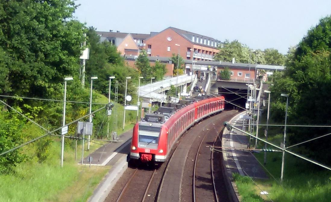 S-Bahnlinie 11 in Blumenberg
