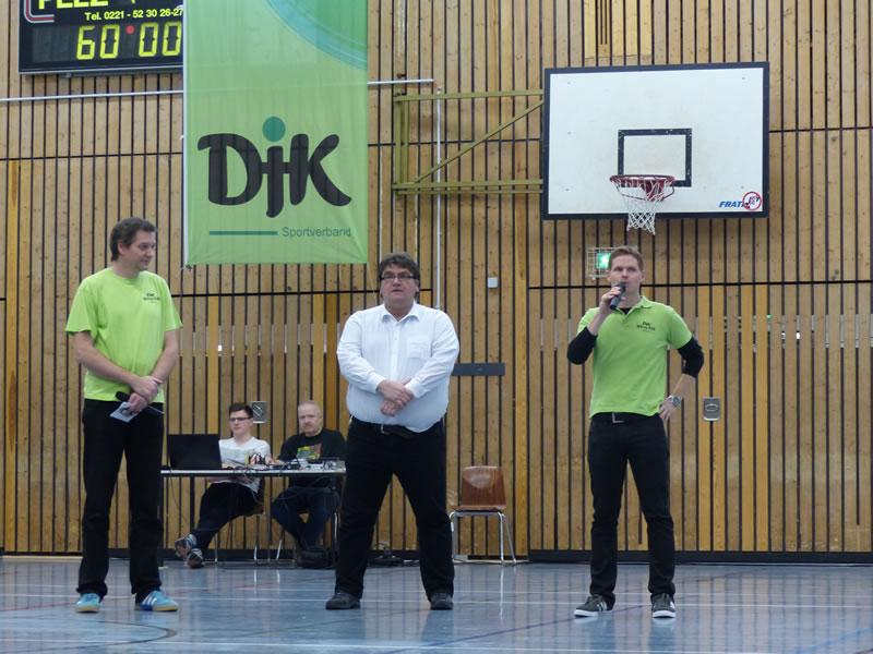 Bezirkzbürgermeister Zöllner grüßt den DJK Wiking