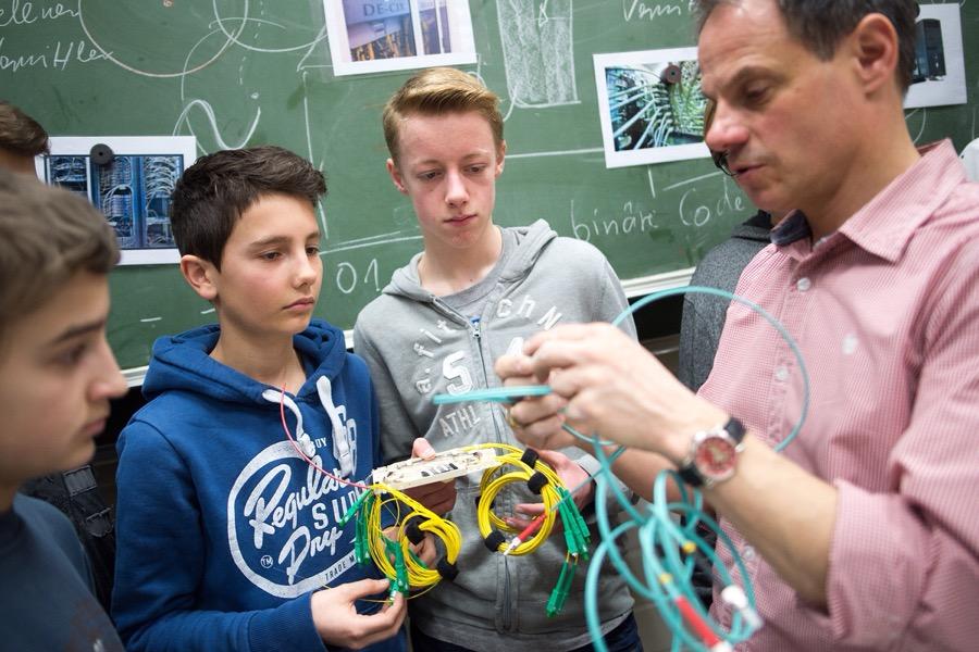 Umwelt-Pädagoge Dr. Markus Phlippen im Unterricht