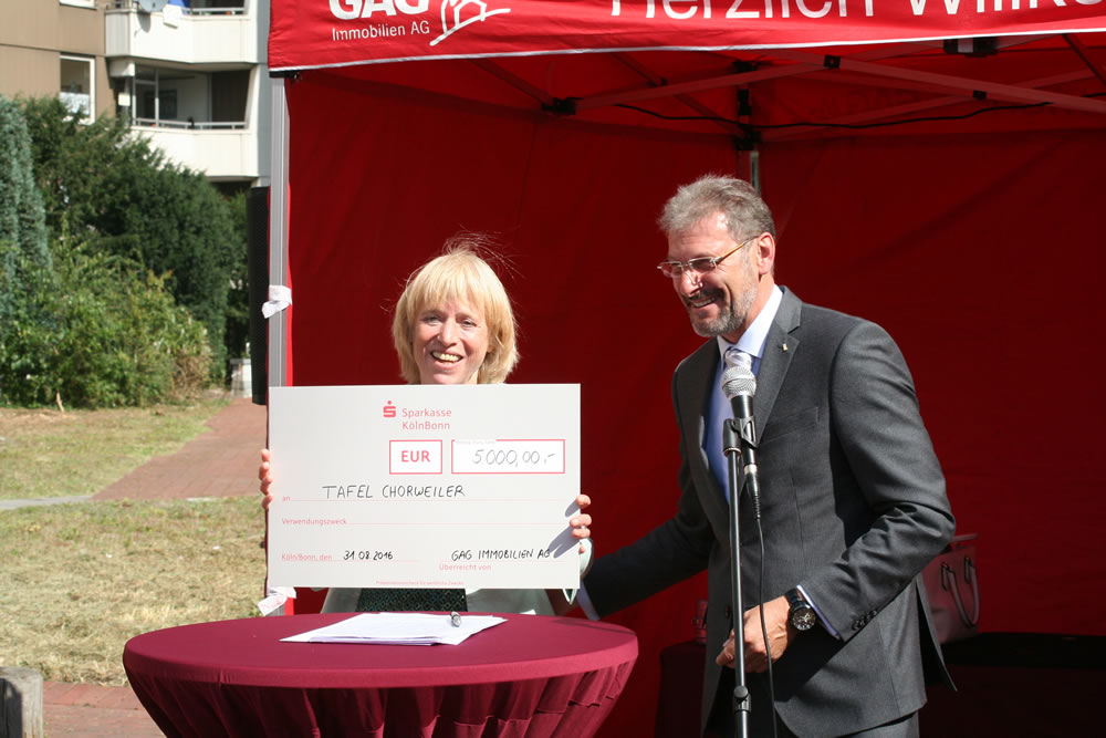 GAG spendet 5.000 Euro an die Kölner Tafeln.