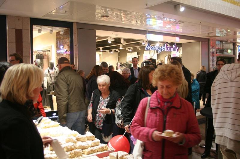 Der leckere Kuchen von der Bäckerei Kraus schmeckte vielen Kunden des Einkaufzentrums