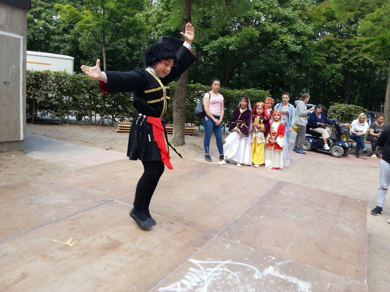 Ein Azerbajdschanischer Tanz, furios dargestellt von Anar (9).